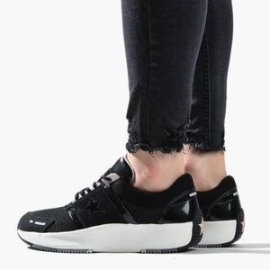 NWOB Converse Run Star Low Sneakers, sz 9.5